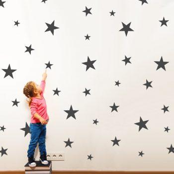 muurstickers-sterren-groot-grijs-zwart-wit-roze-stickers