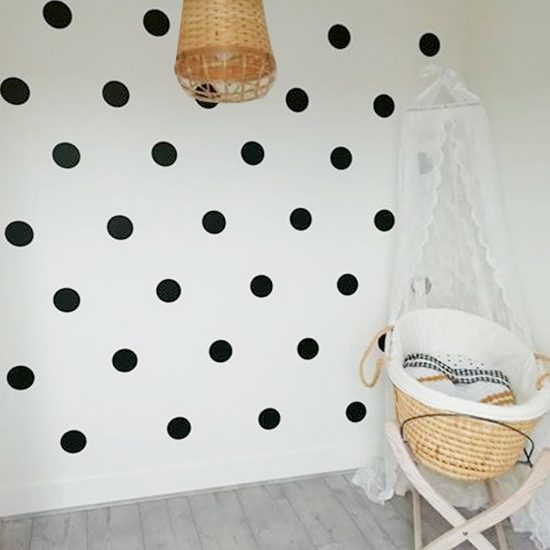 stippen-cirkels-confetti-muurstickers-babykamer-kinderkamer-zwart-wit-goedkoop-groot