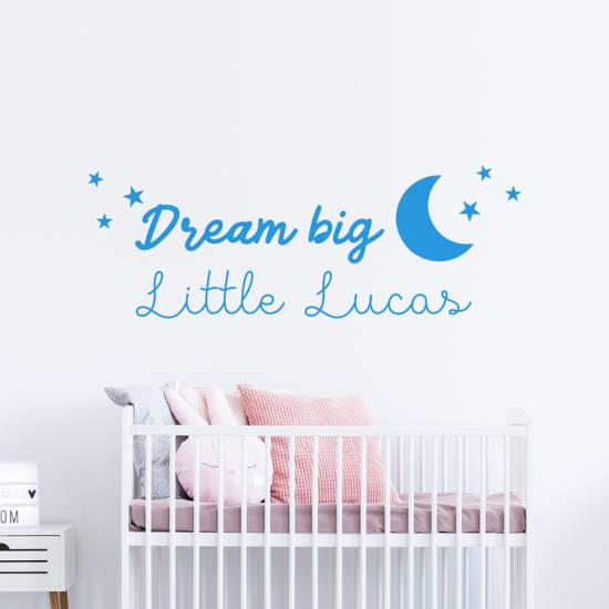 dream-big-little-one-naam-blauw-jongen-muursticker