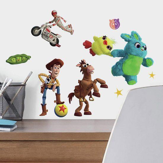 Toy-Story-4-Muursticker-Buzz-Woody-Lightyear-speelgoed-Disney-Pixar